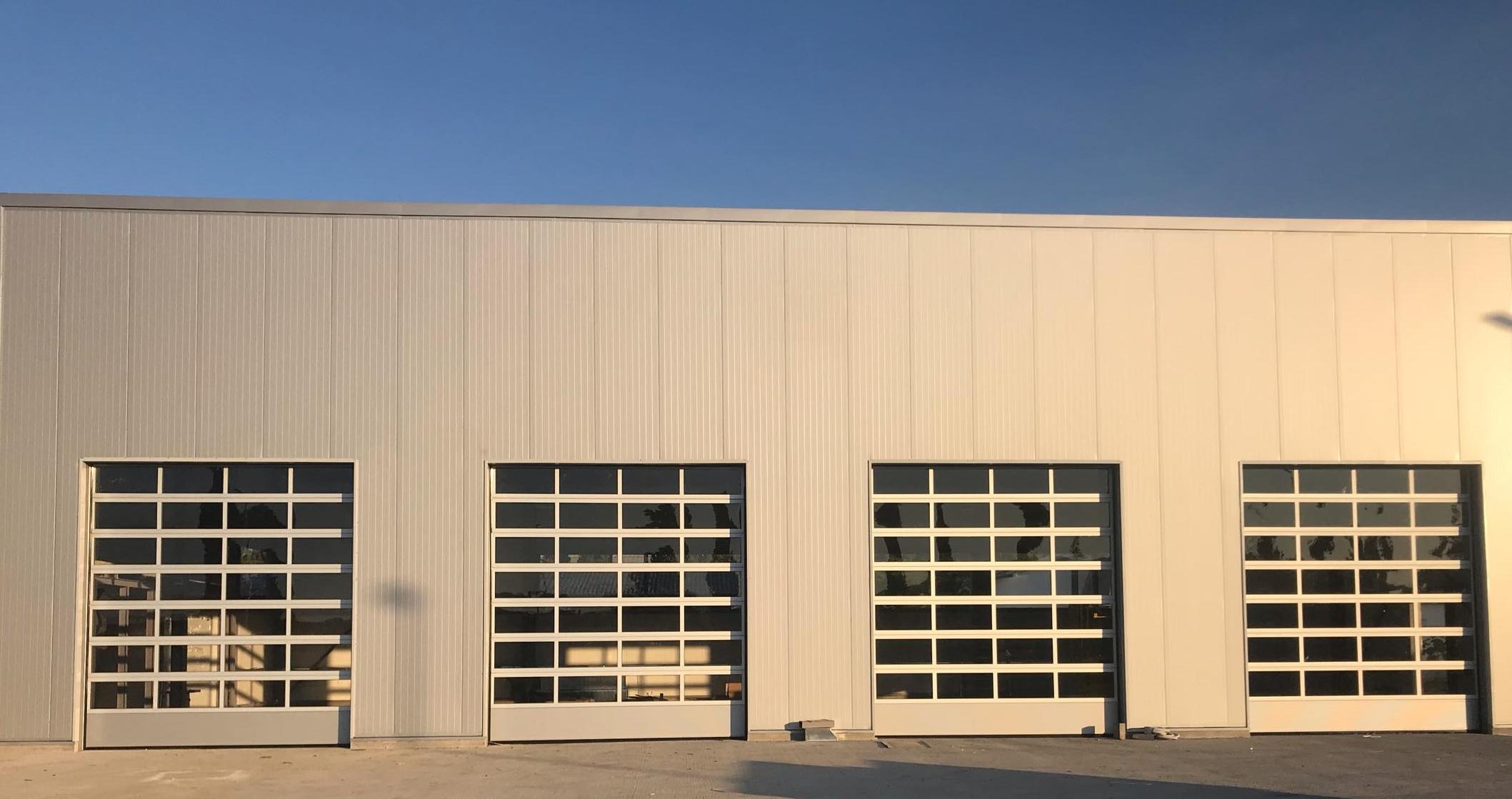 tam görünümlü endüstriyel kapı